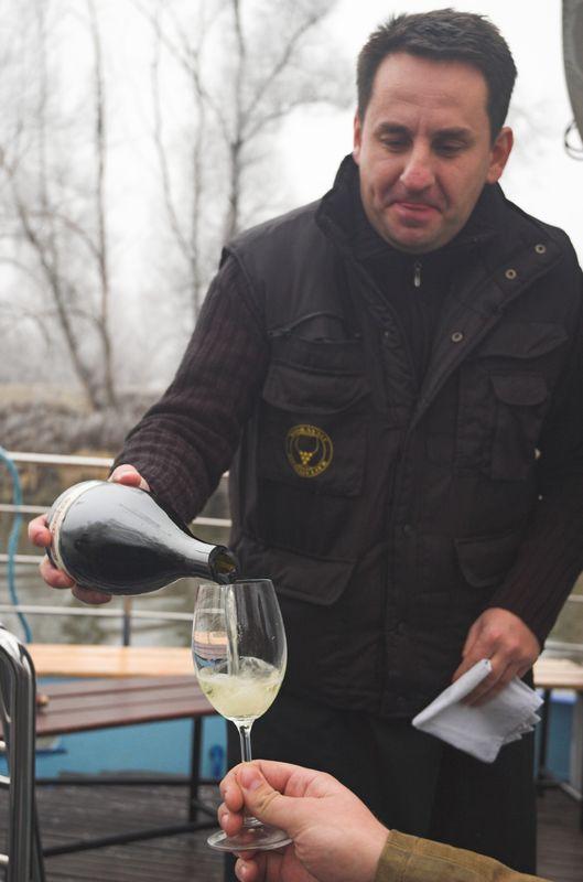 Plavby po dyji s degustaci vin a sommelierem